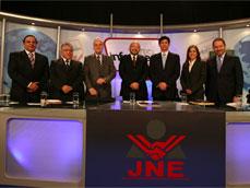 Partidos Gana Perú y Fuerza 2011 confrontaron sus programas de gobierno en debate técnico
