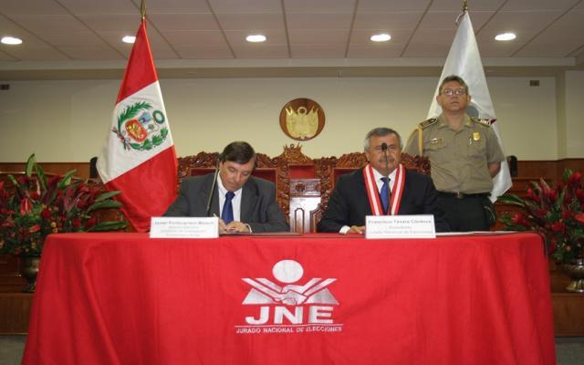 Máximo órgano electoral peruano y CIES firmaron convenio